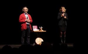Extrait de la Conférence Vivre la Magie - LILOU & RIOU à LA CIGALE à Paris